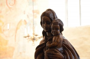 Neitsyt Marian patsas hiippakuntajuhlassa 2013