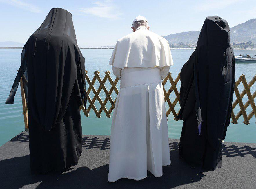 paavi lesboksella