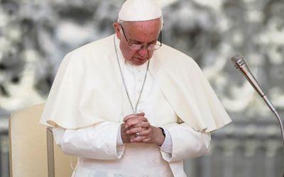Paavi kehottaa rukoilemaan päivittäin ruusukkoa lokakuussa