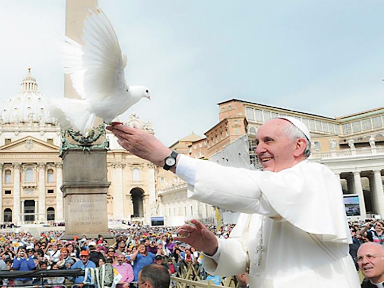 Paavi: 23. helmikuuta rukous- ja paastopäivä rauhan puolesta