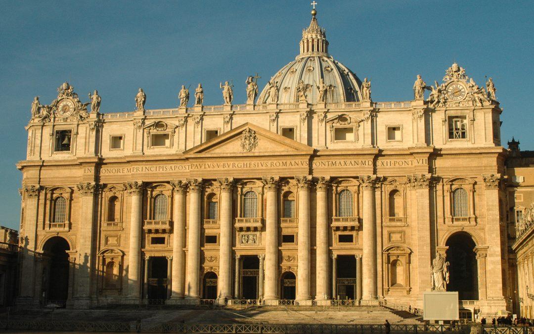 Paavi Paavali VI:n ja Oscar Romeron kanonisaatio lokakuussa