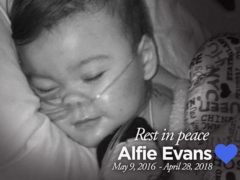 Pikku-Alfie kuoli hoitamattajättämispäätöksen jälkeen